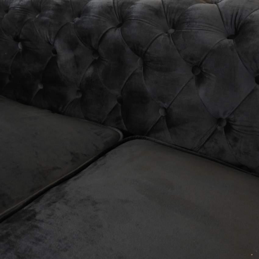 canap chesterfield capitonn en tissu velout 2 places. Black Bedroom Furniture Sets. Home Design Ideas